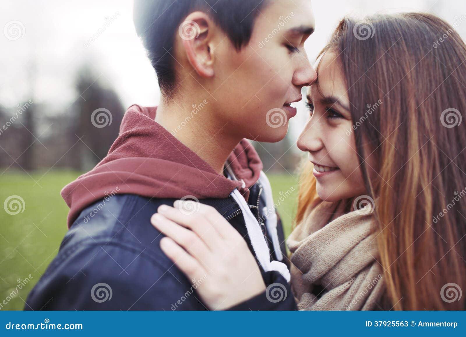 Милая подростковая влюбленность
