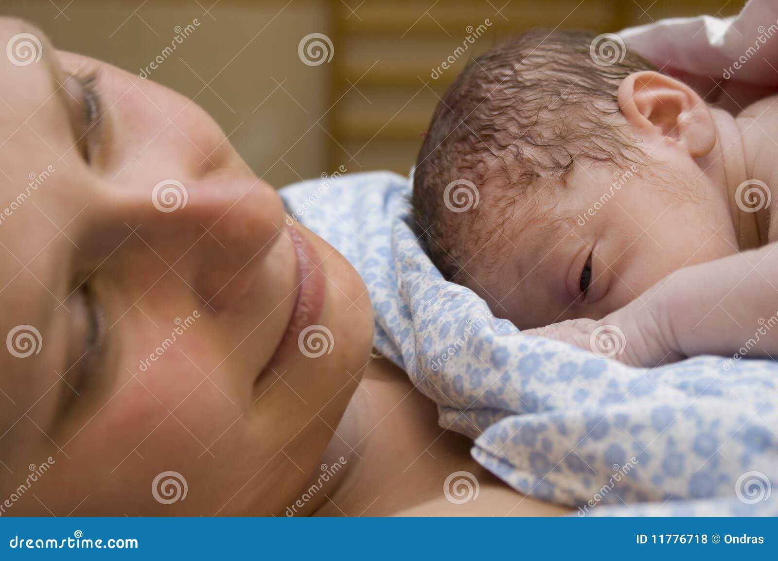 младенец ее отдыхать мати