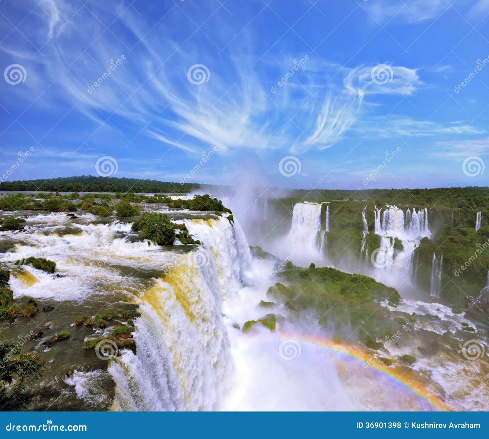 Многоуровневые каскады воды