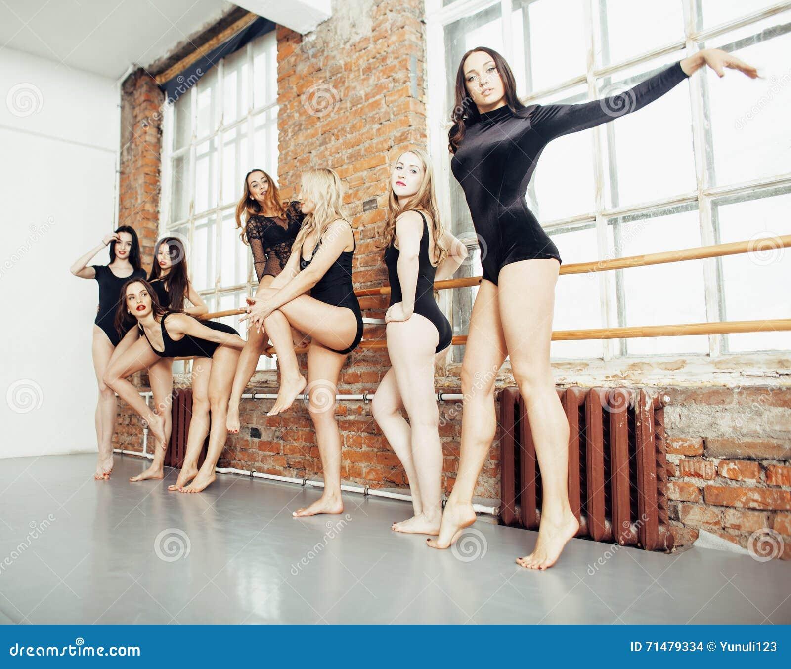 Девушки много сексуальных фото — pic 1