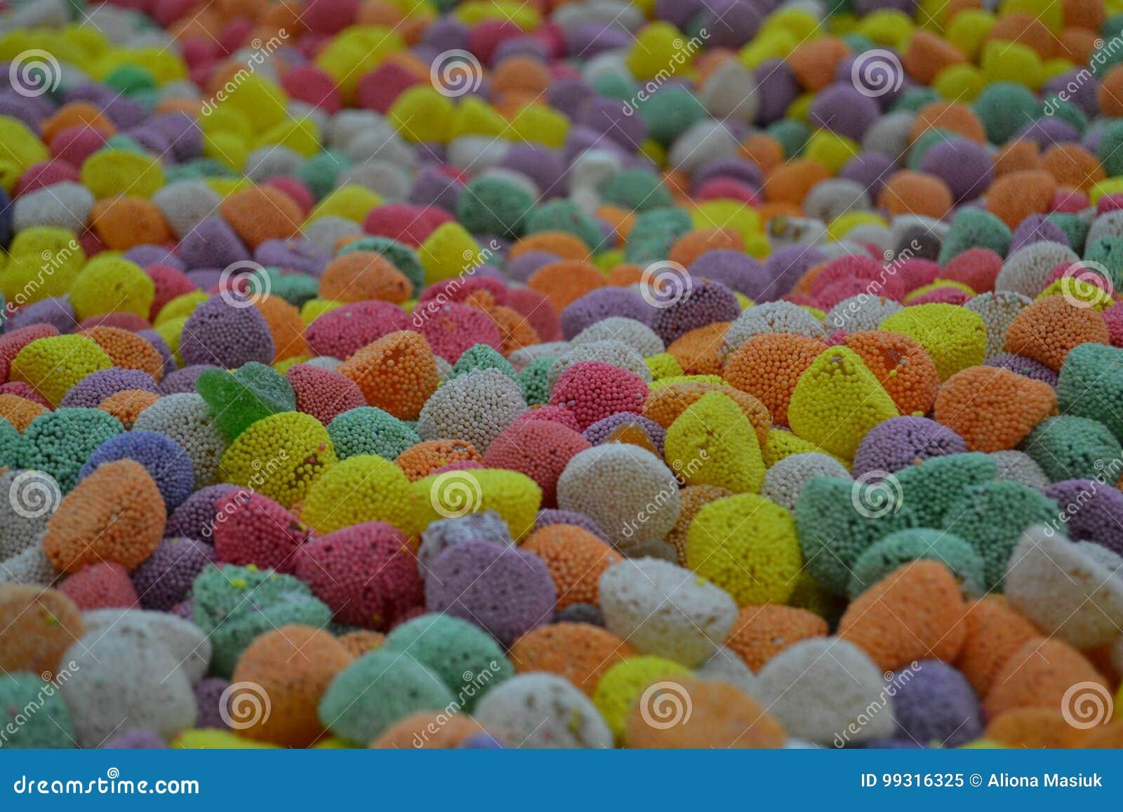 Много конфеты