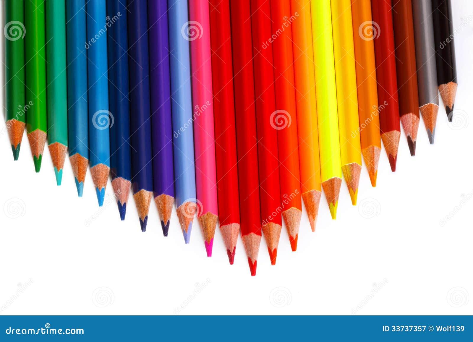 Много покрашенных карандашей