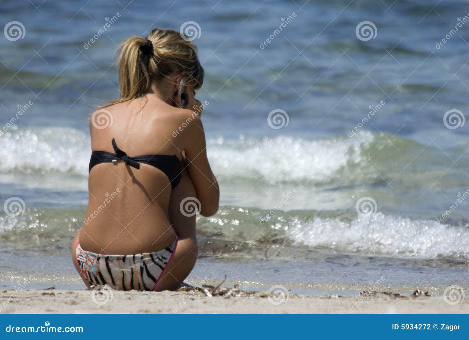 мобильный телефон пляжа