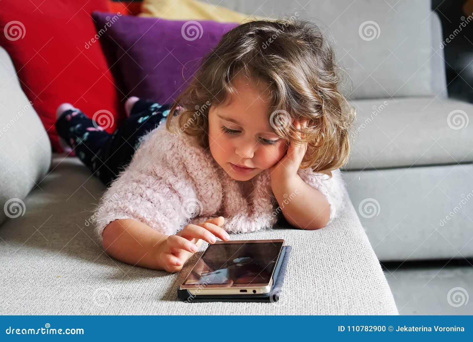 мобильный телефон ребёнка