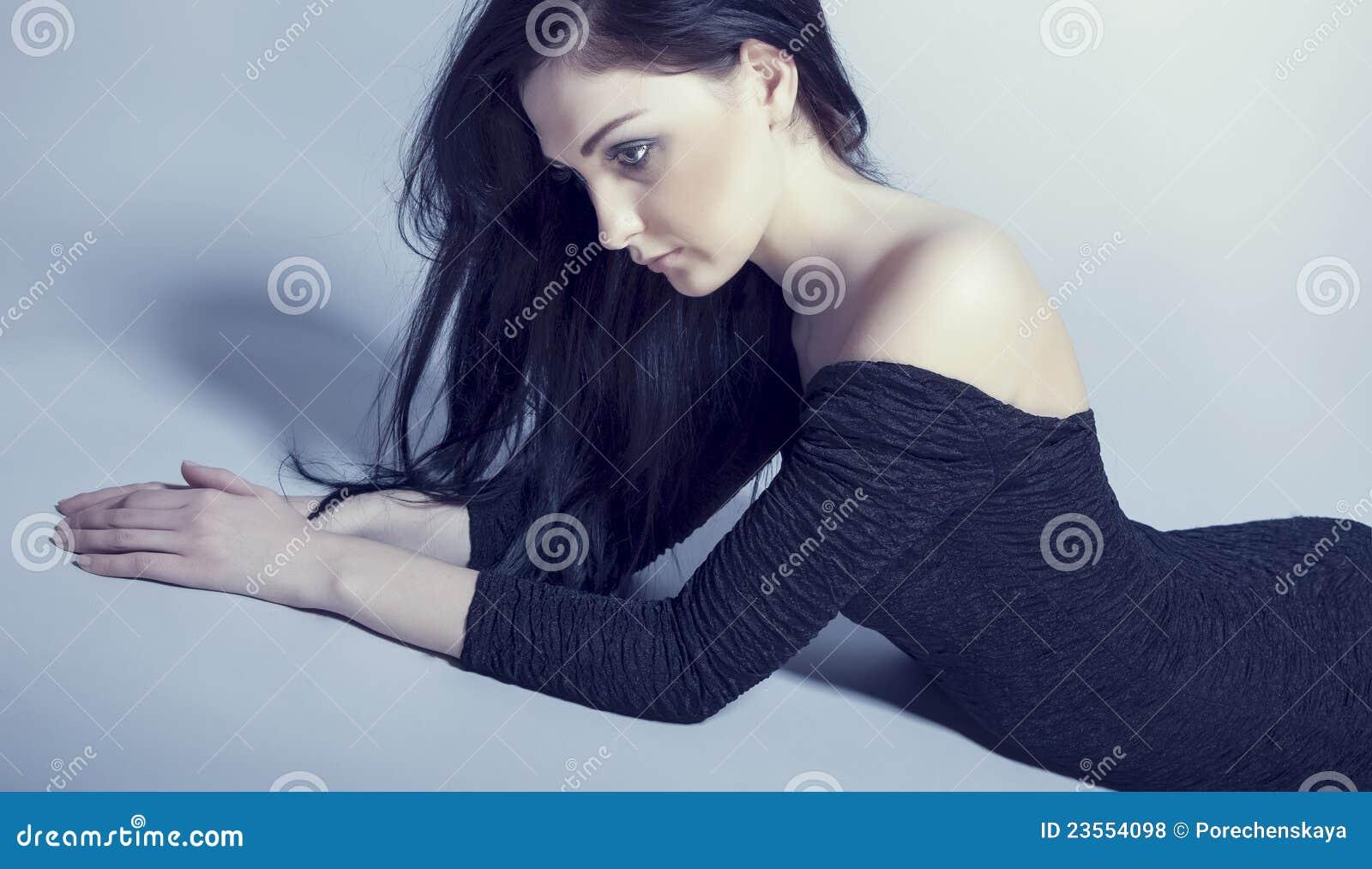модельная чувственная женщина