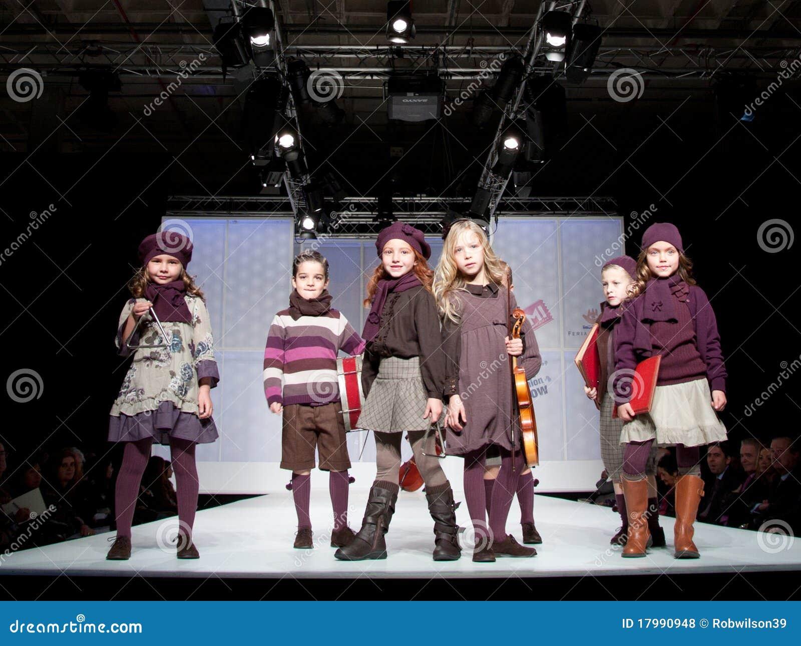 модный парад детей