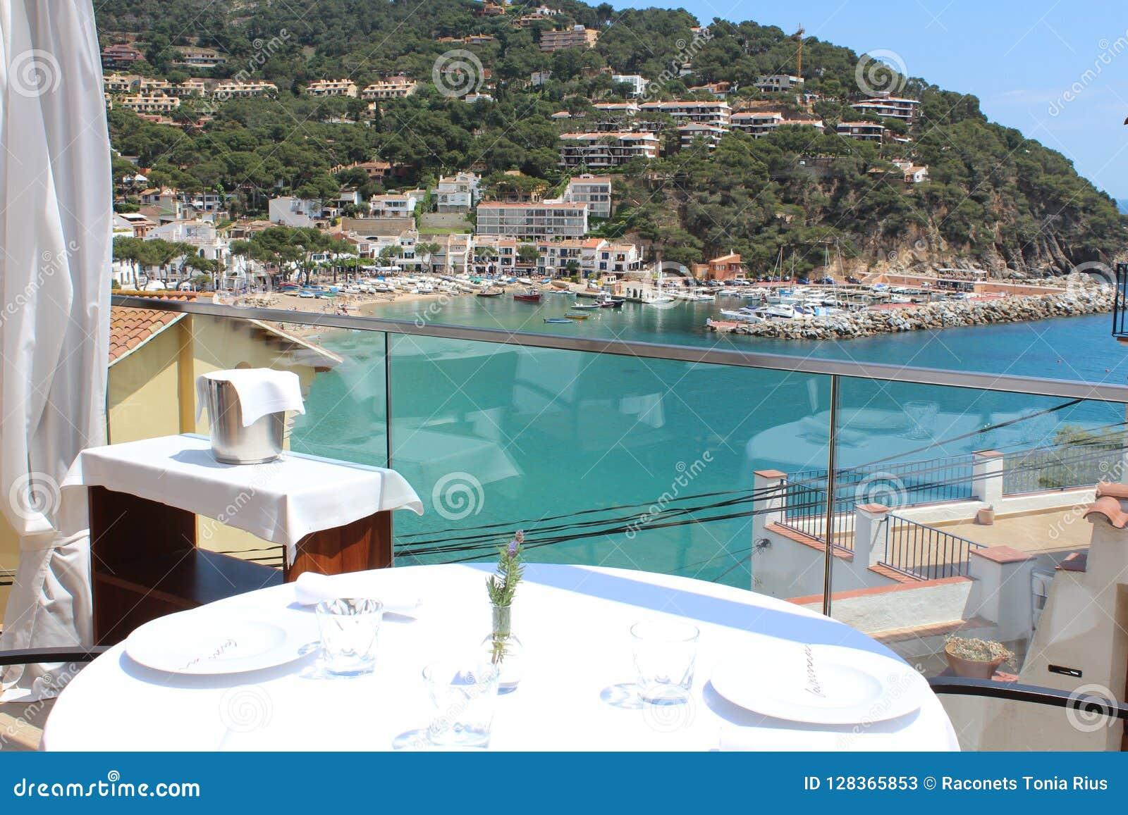 Мои самые лучшие 7 ресторанов с видами на море