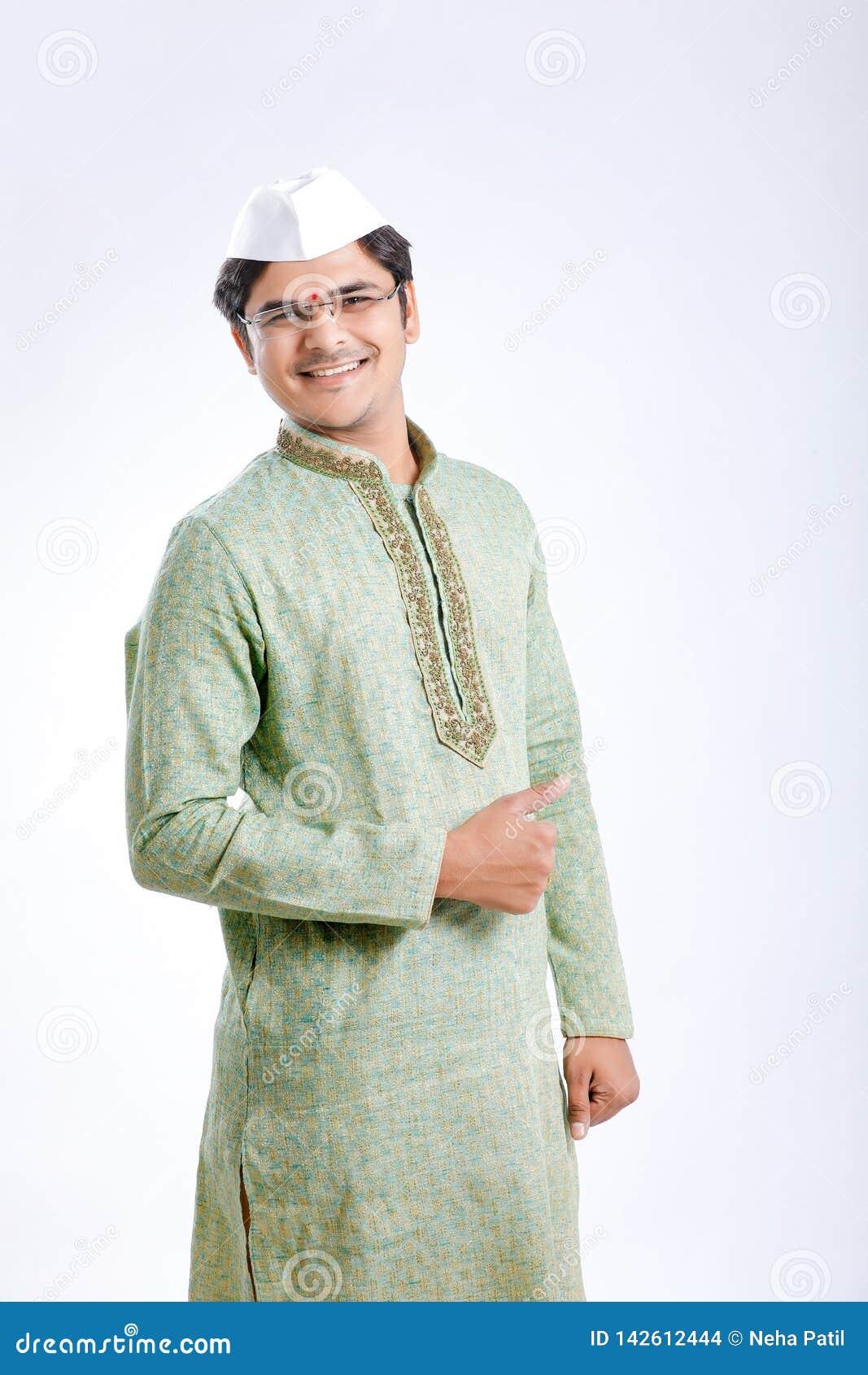 Молодой индеец на традиционной носке