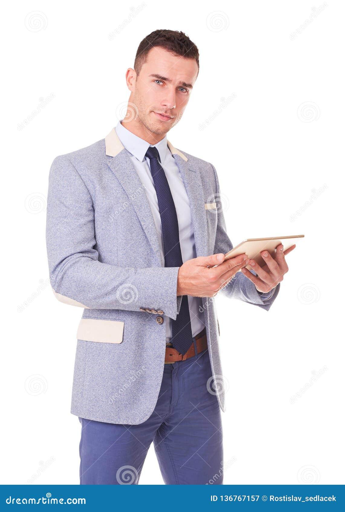 Молодой человек с планшетом