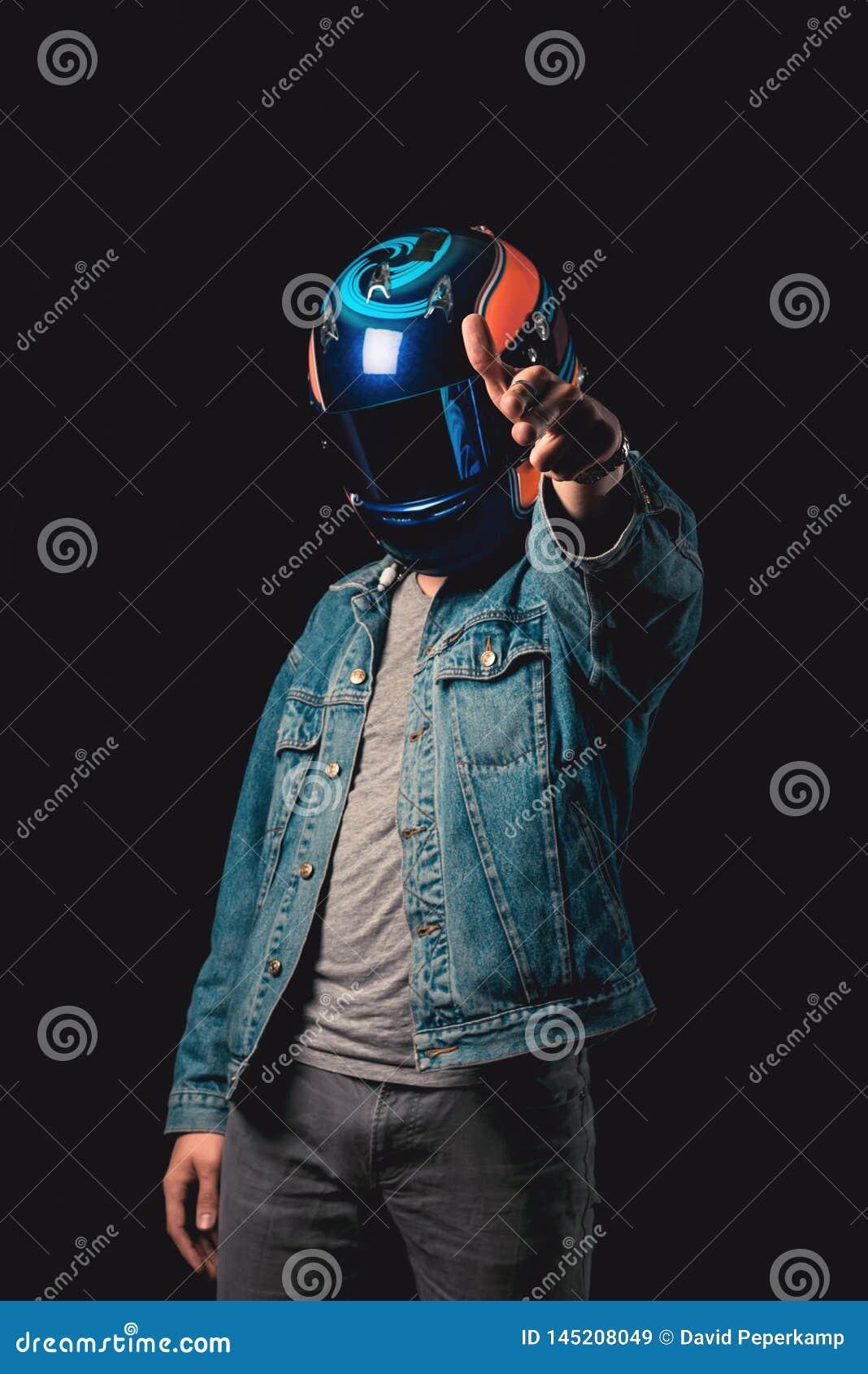 Молодой человек с участвовать в гонке шлем, двойная экспозиция, hitman, ты