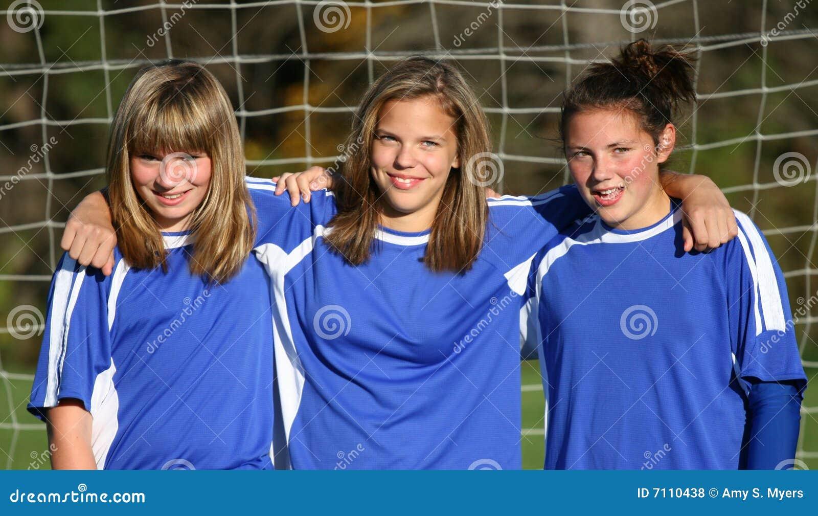 молодость футбола приятелей предназначенная для подростков