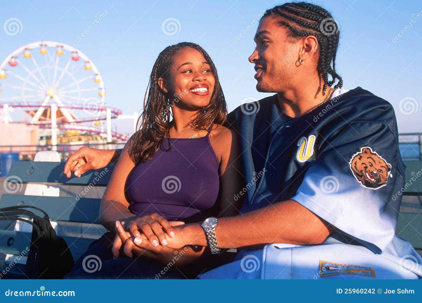 Молодые пары African-American