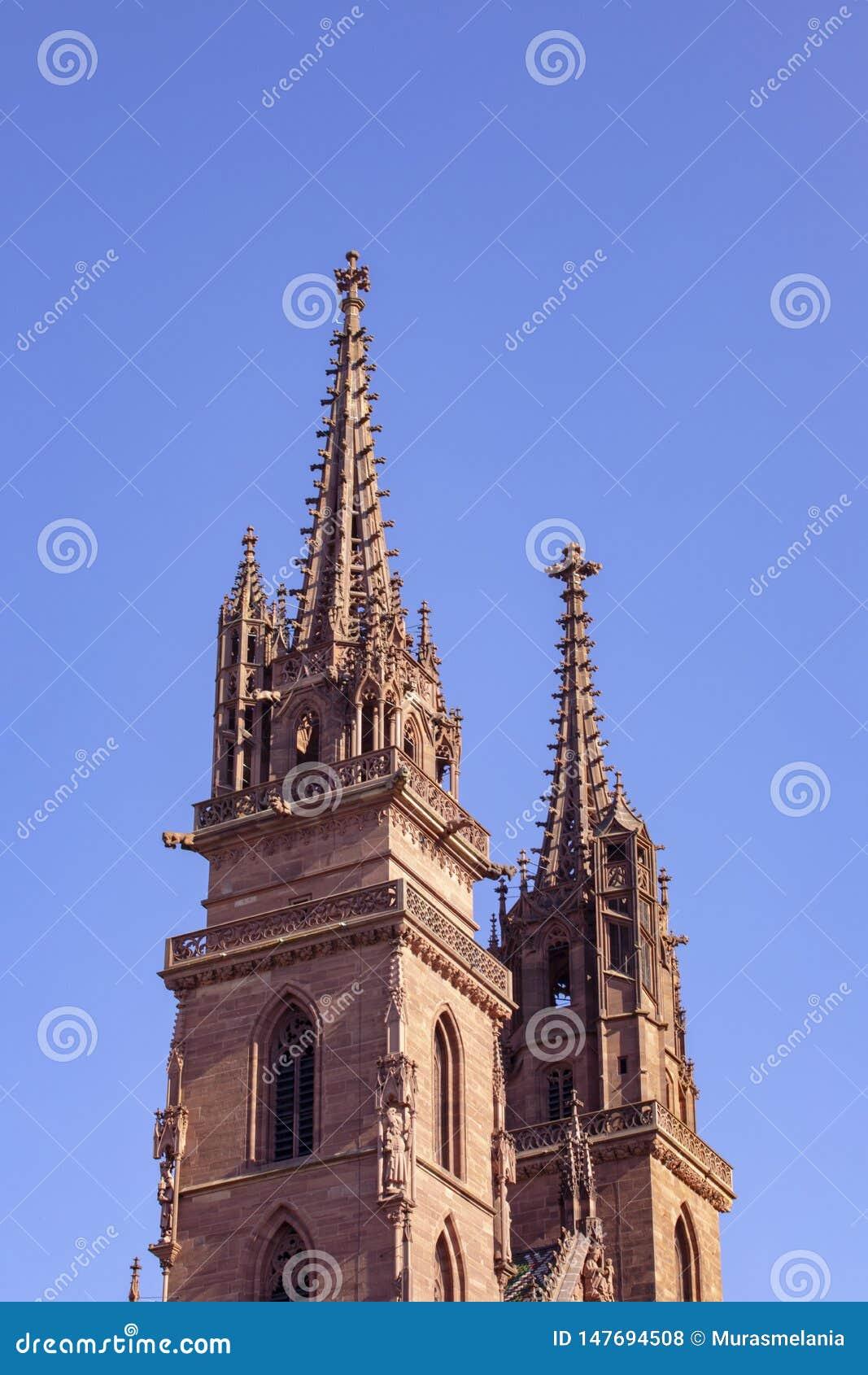 Монастырская церковь Базеля, собор Базеля Ясная предпосылка неба r