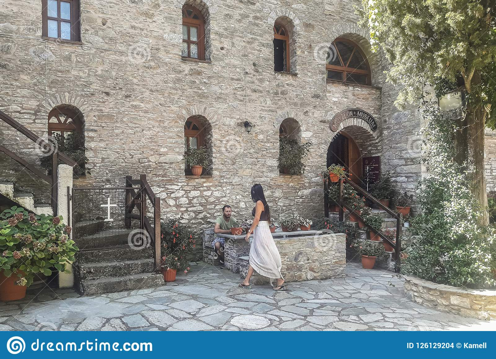 Монастырь на острове Skiathos в Греции