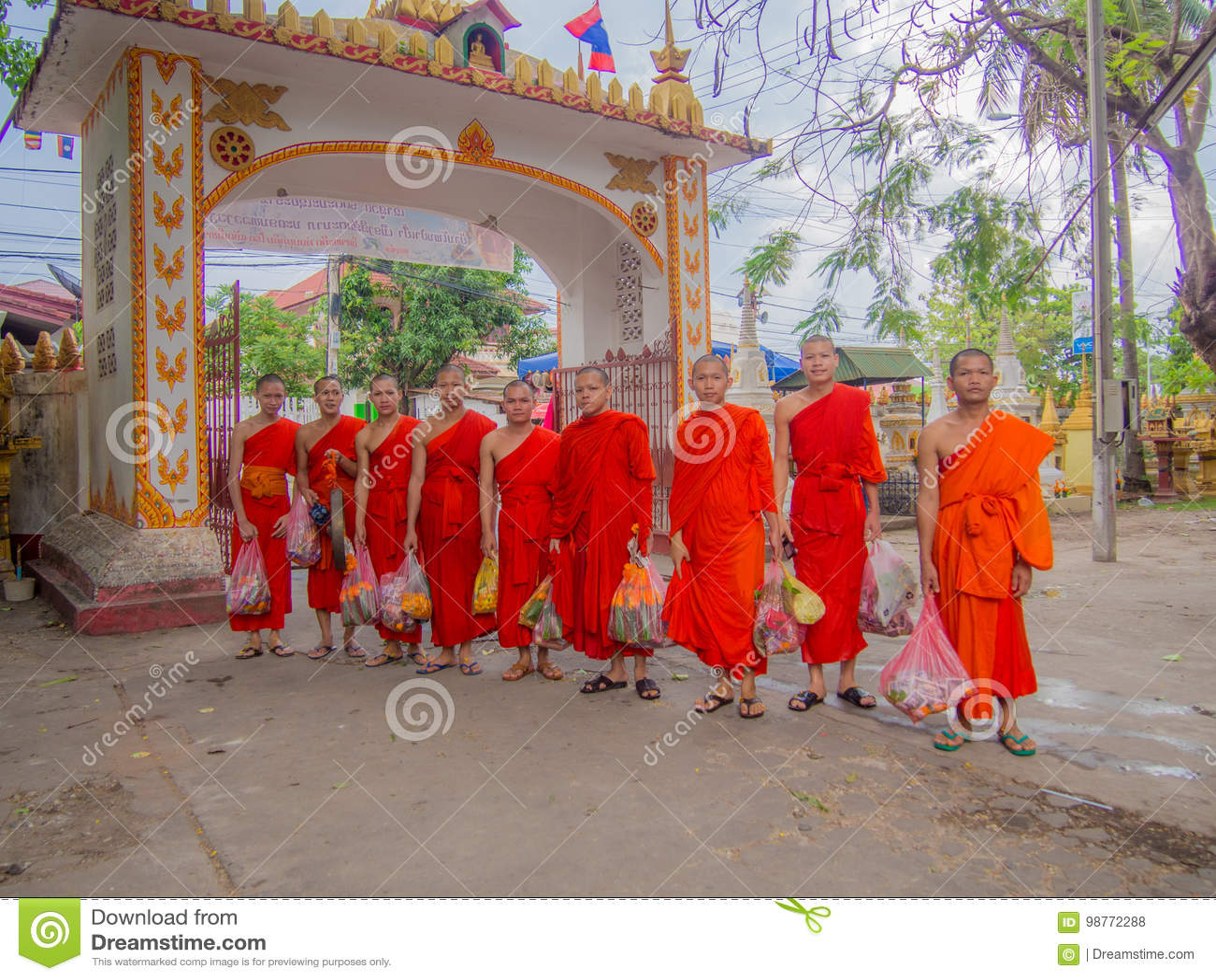Монах в буддисте