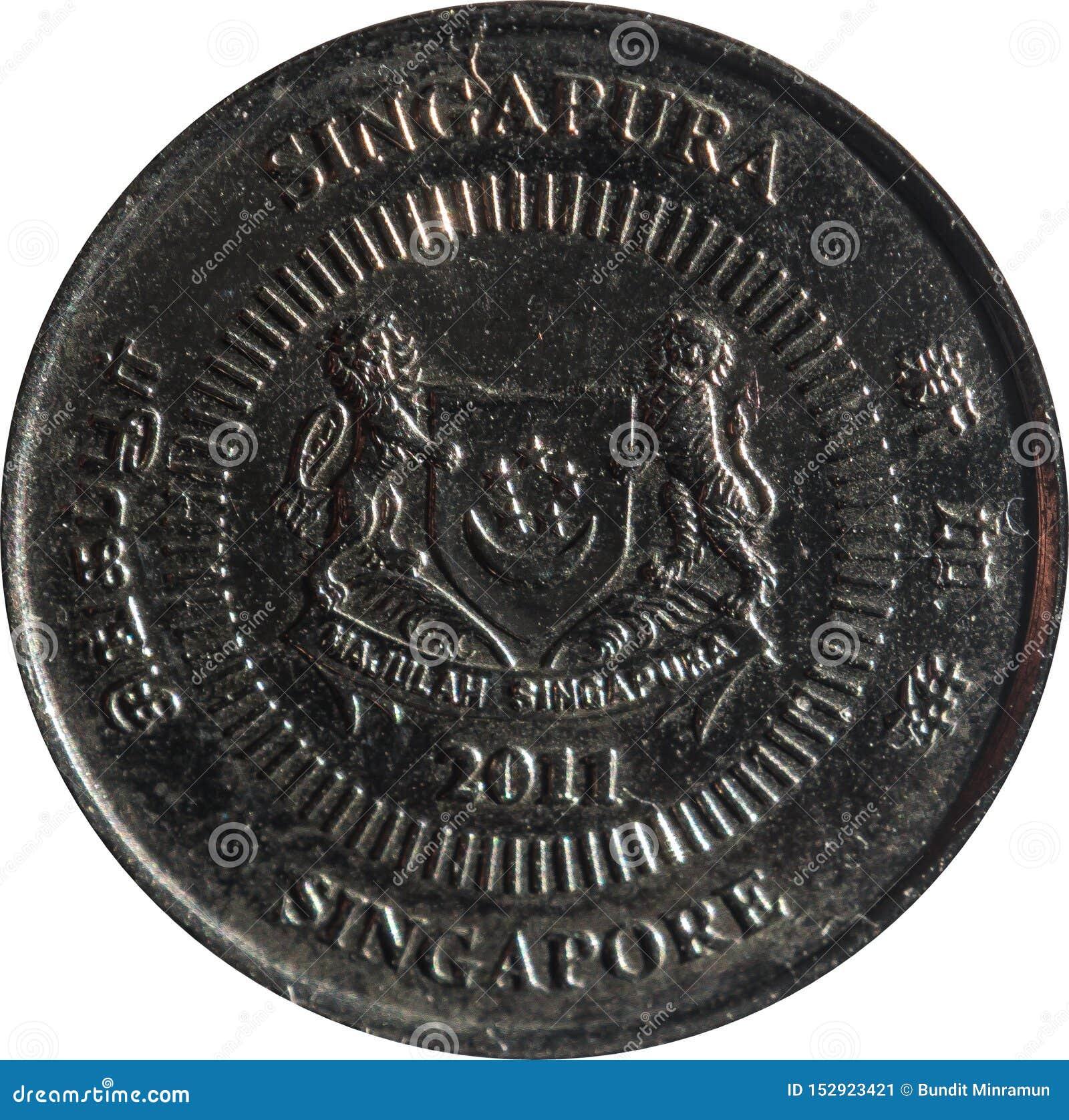 """Монетка 10-цента Сингапура отличает эмблемой с датой под и """"Сингапуром """"на 4 сторонах на английском, Тамильском языке, китайском,"""