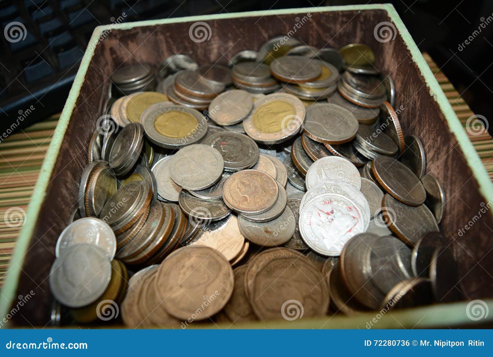 Download монетка стоковое фото. изображение насчитывающей монетка - 72280736