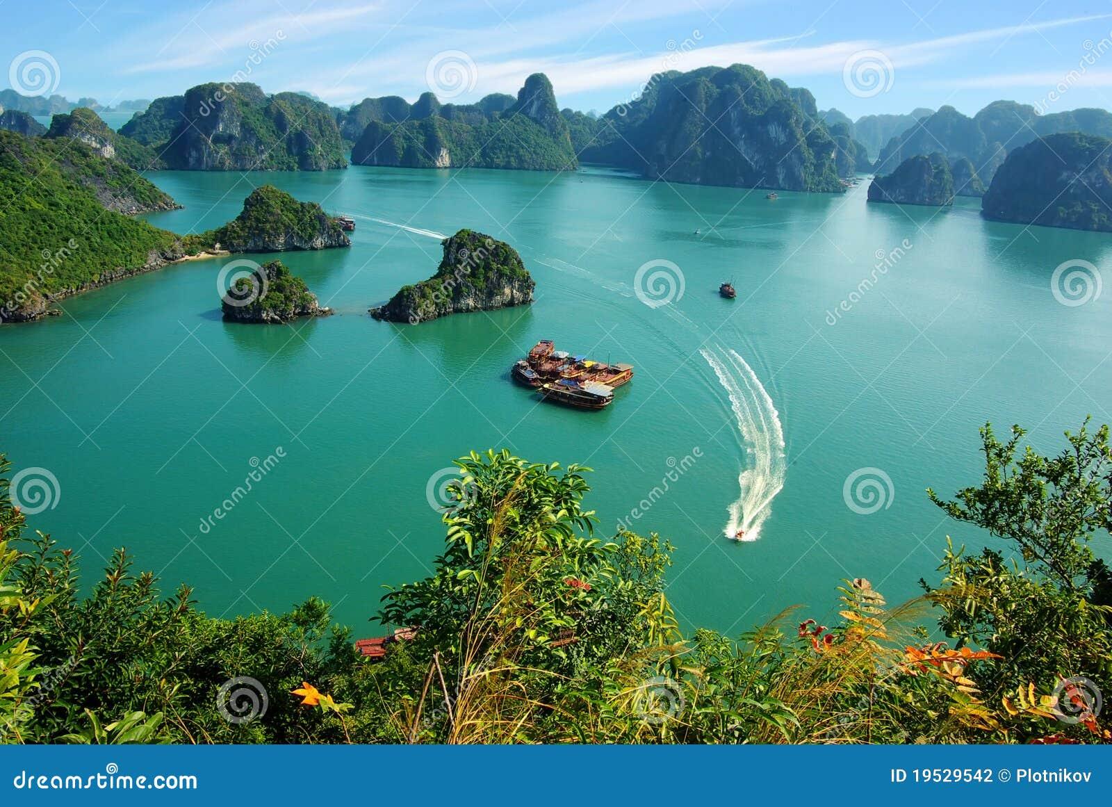 море Вьетнам ландшафта ha залива длиннее рисуночное
