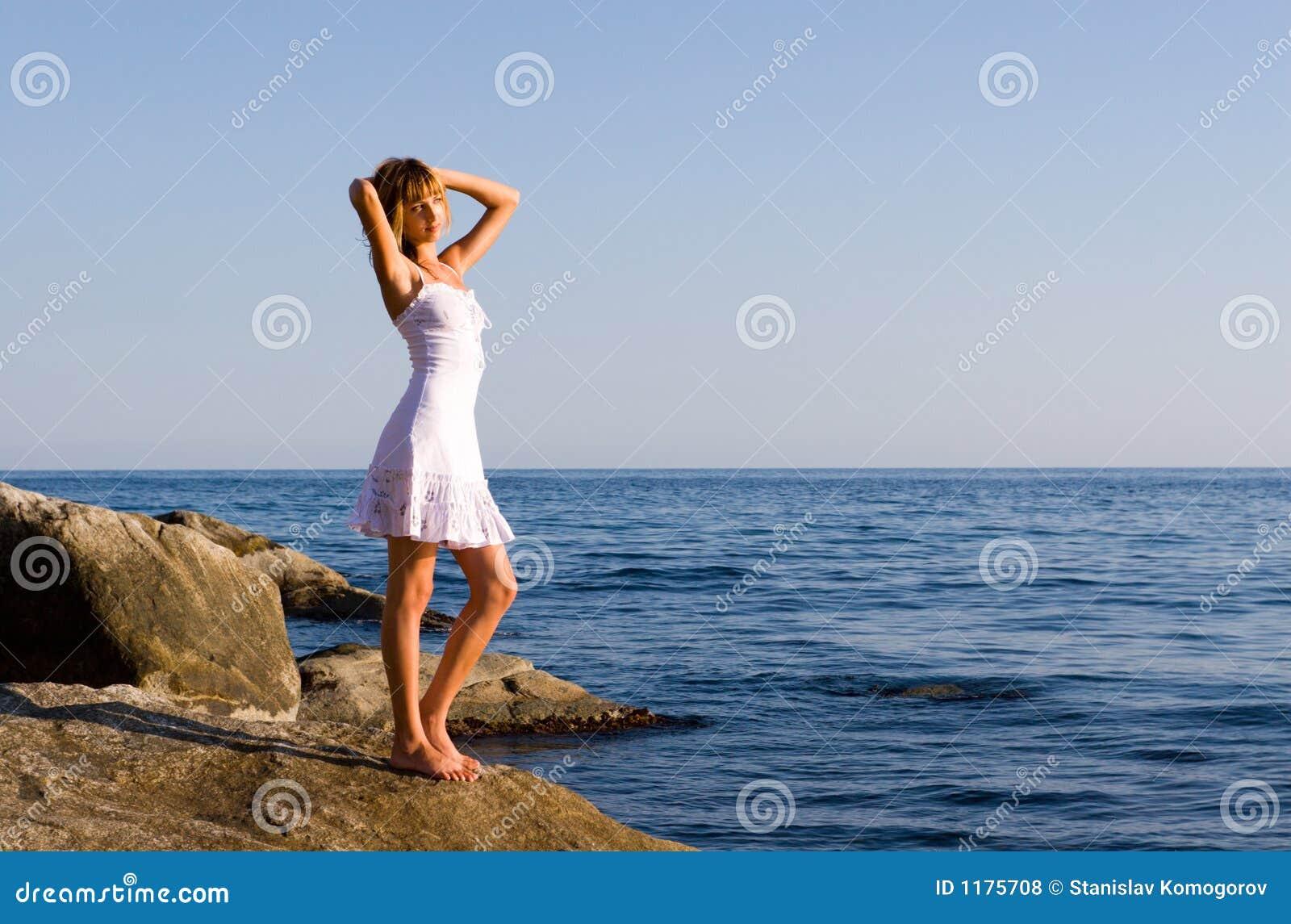 море девушки