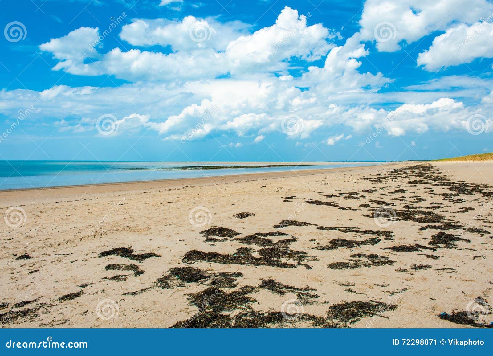Download Море небо стоковое изображение. изображение насчитывающей coast - 72298071