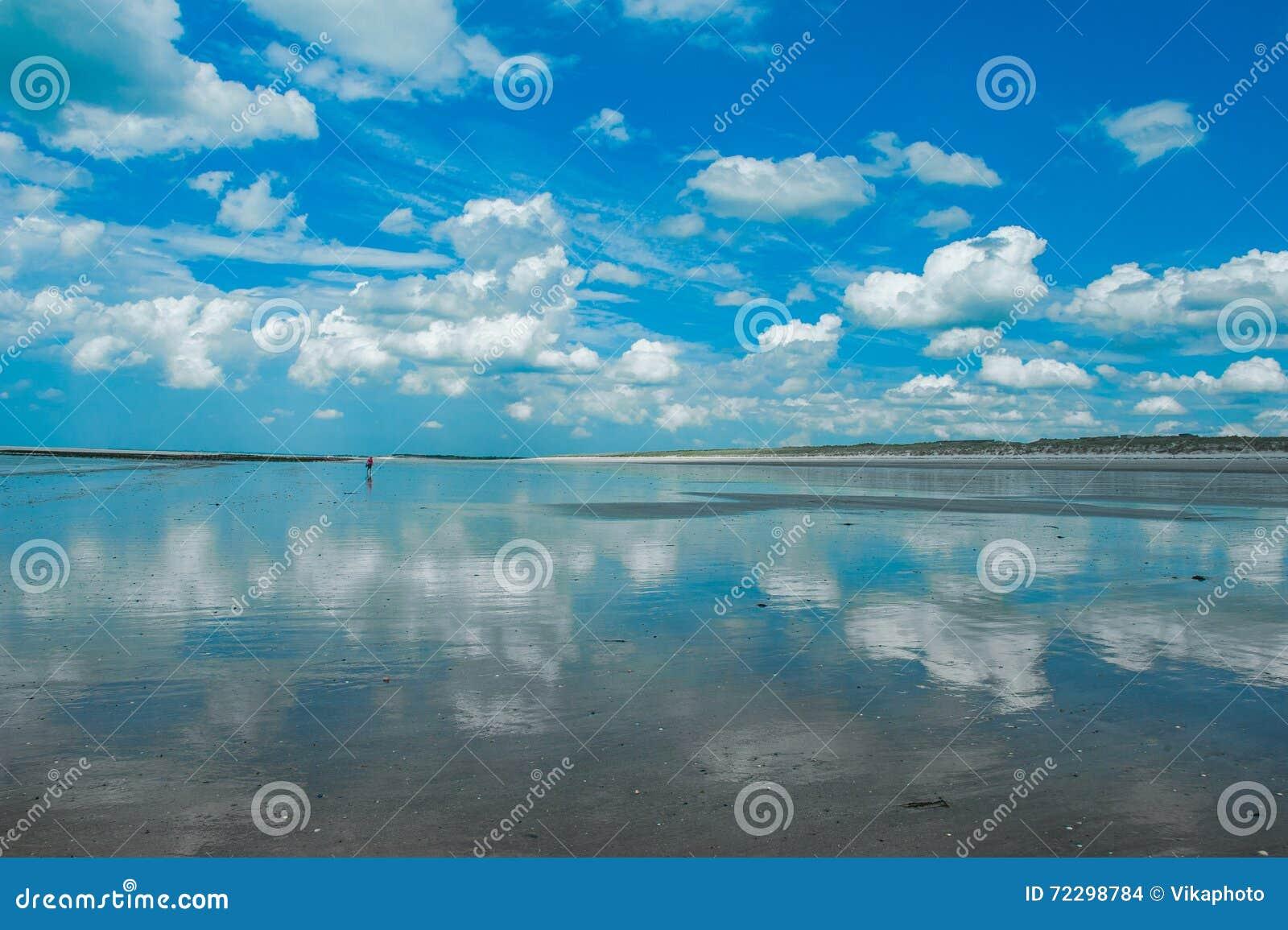 Download Море небо стоковое фото. изображение насчитывающей остров - 72298784