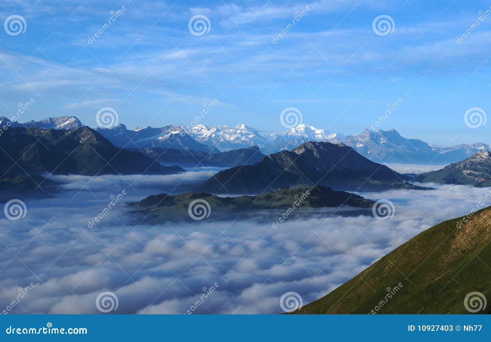 море облаков alps