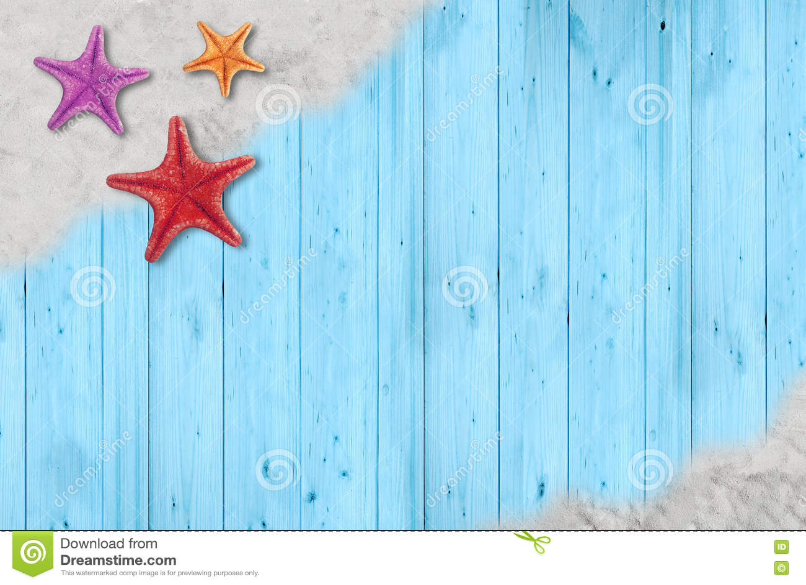 Морские звёзды на песке