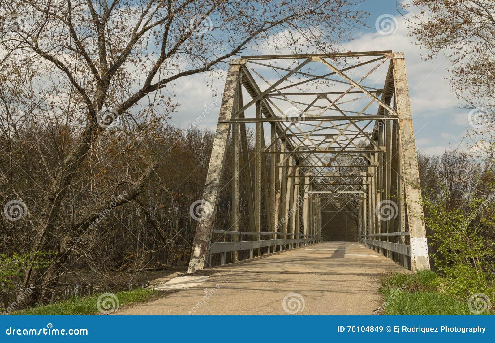 Мост в стране