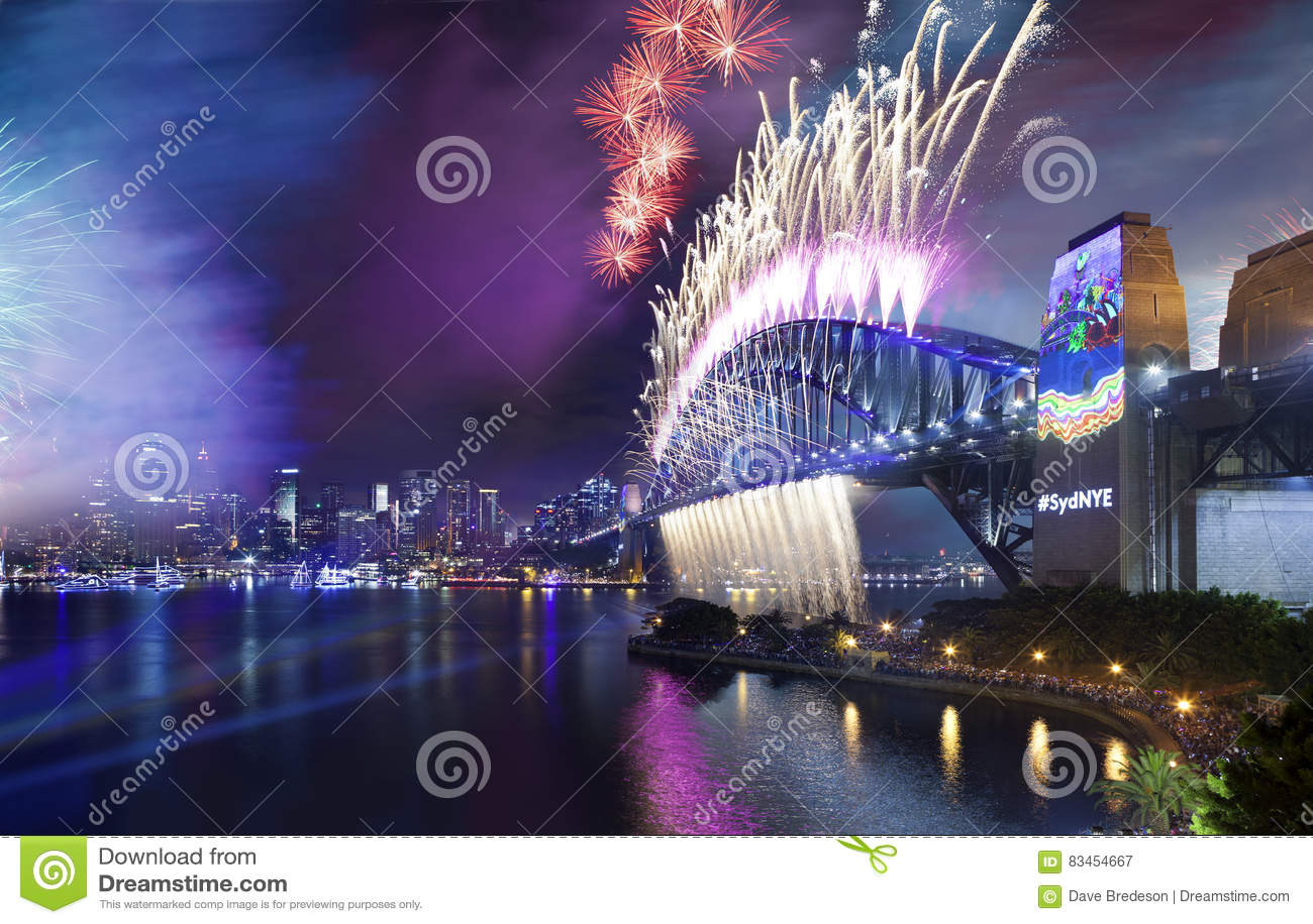 Download Мост гавани Сиднея фейерверков Стоковое Изображение - изображение насчитывающей landmarks, гавань: 83454667