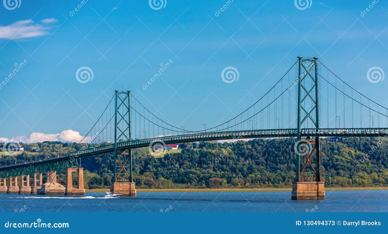 Мост острова Орлеана