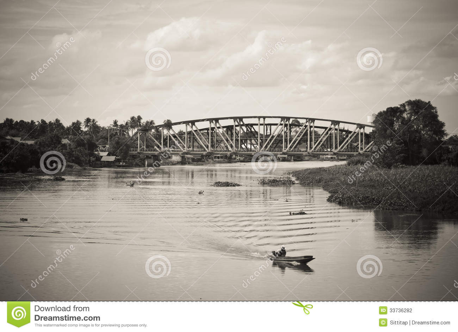 Мост поперек