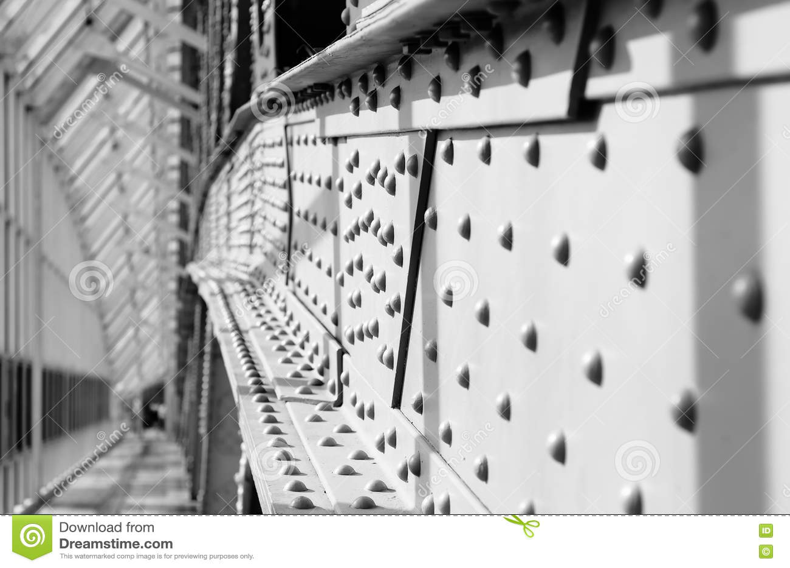 Мост поляков металла пешеходный