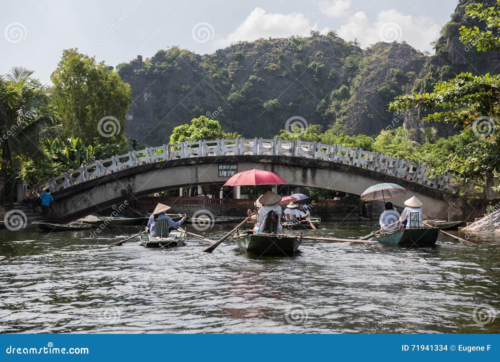 Мост реки Tam Coc