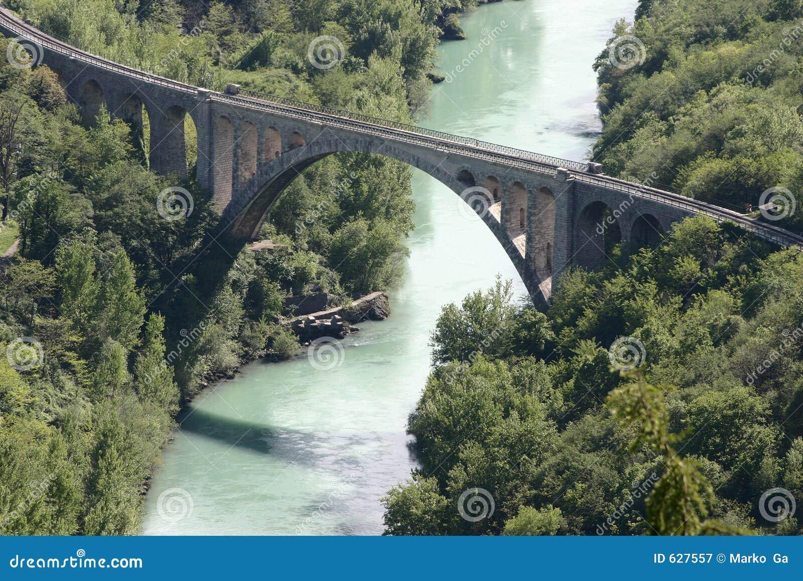 Download мост стоковое изображение. изображение насчитывающей камень - 627557