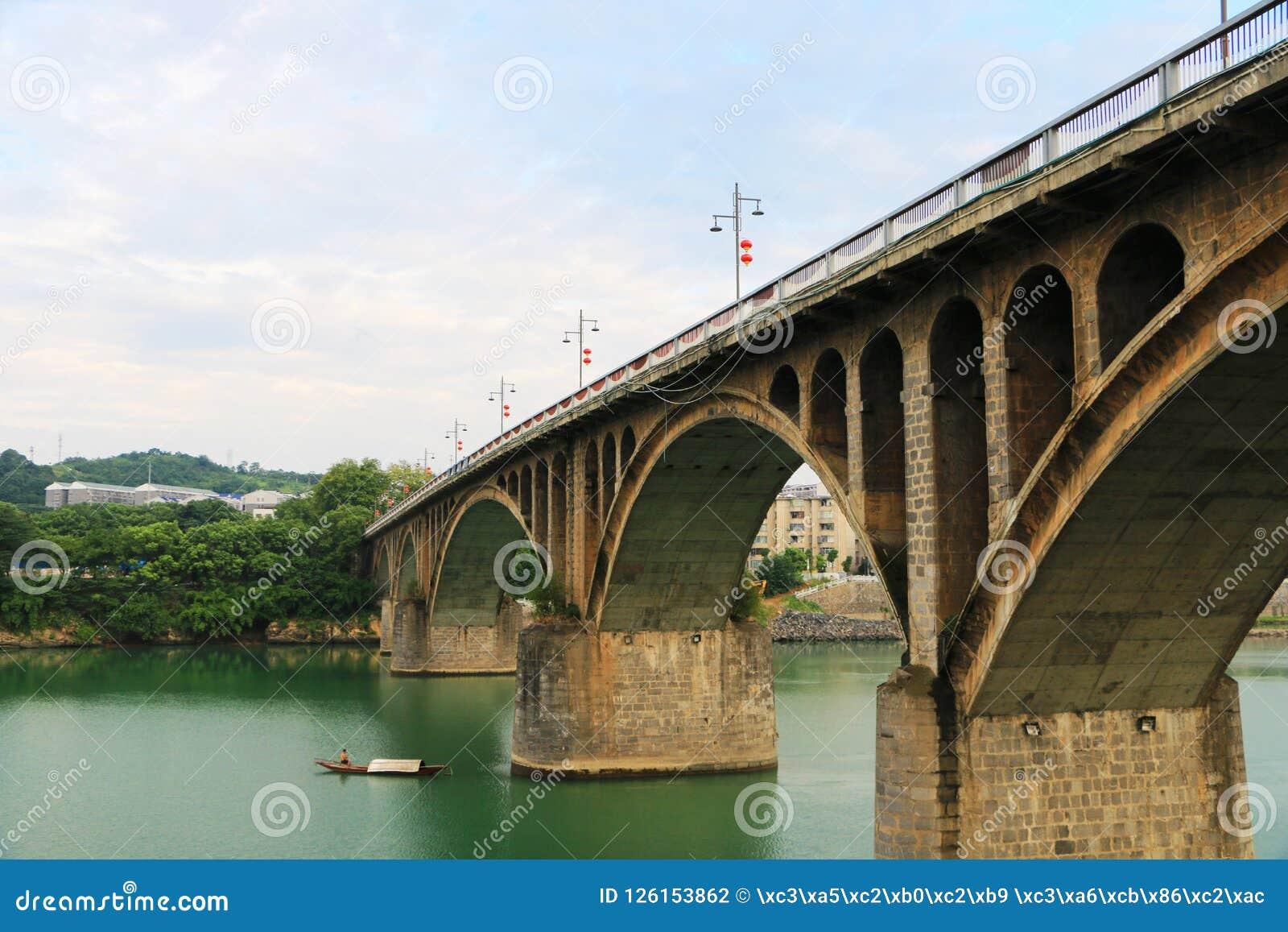 Мост Dongfeng в yongzhou, Хунани, Китае