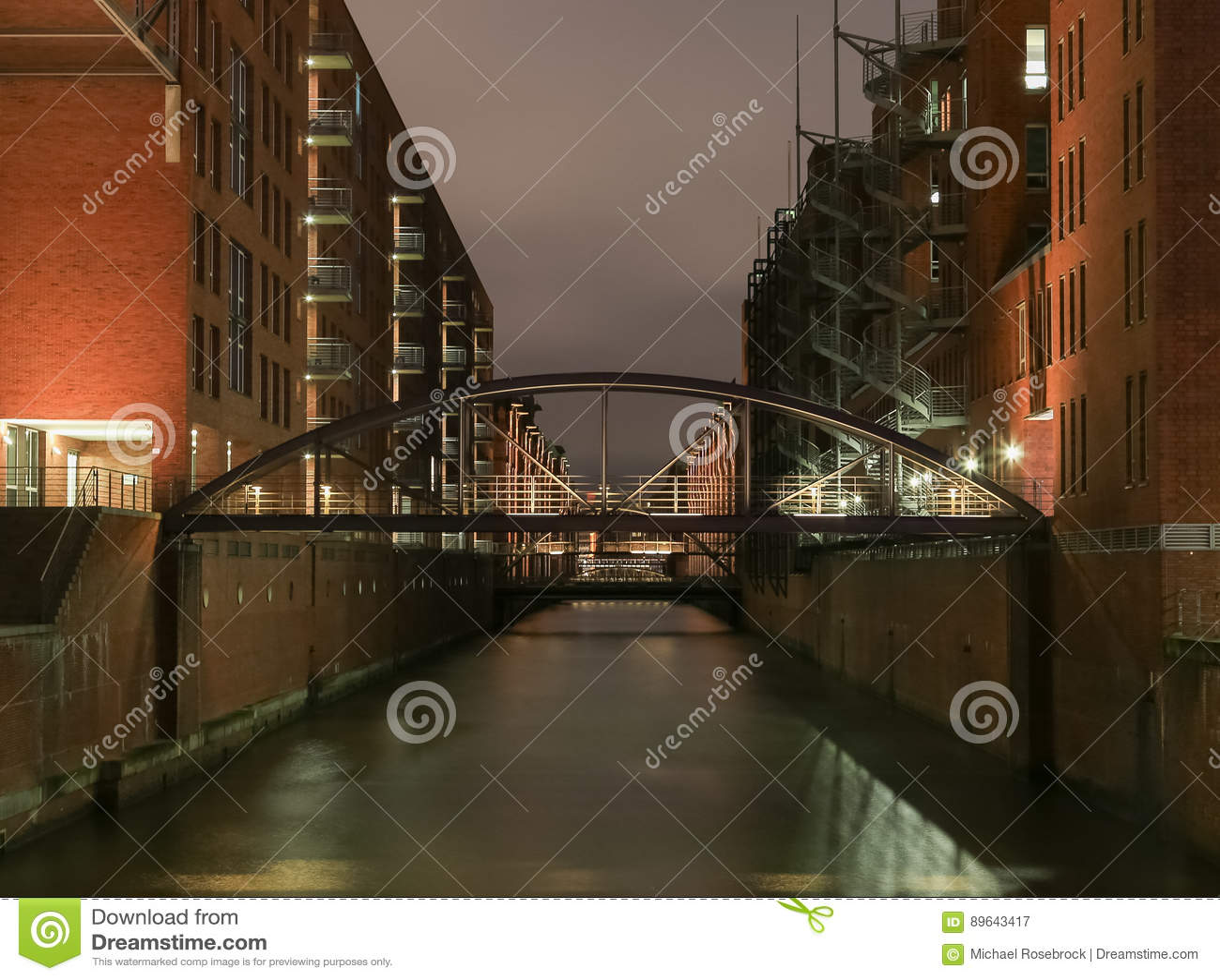 Мост Kehrwieder в Гамбурге