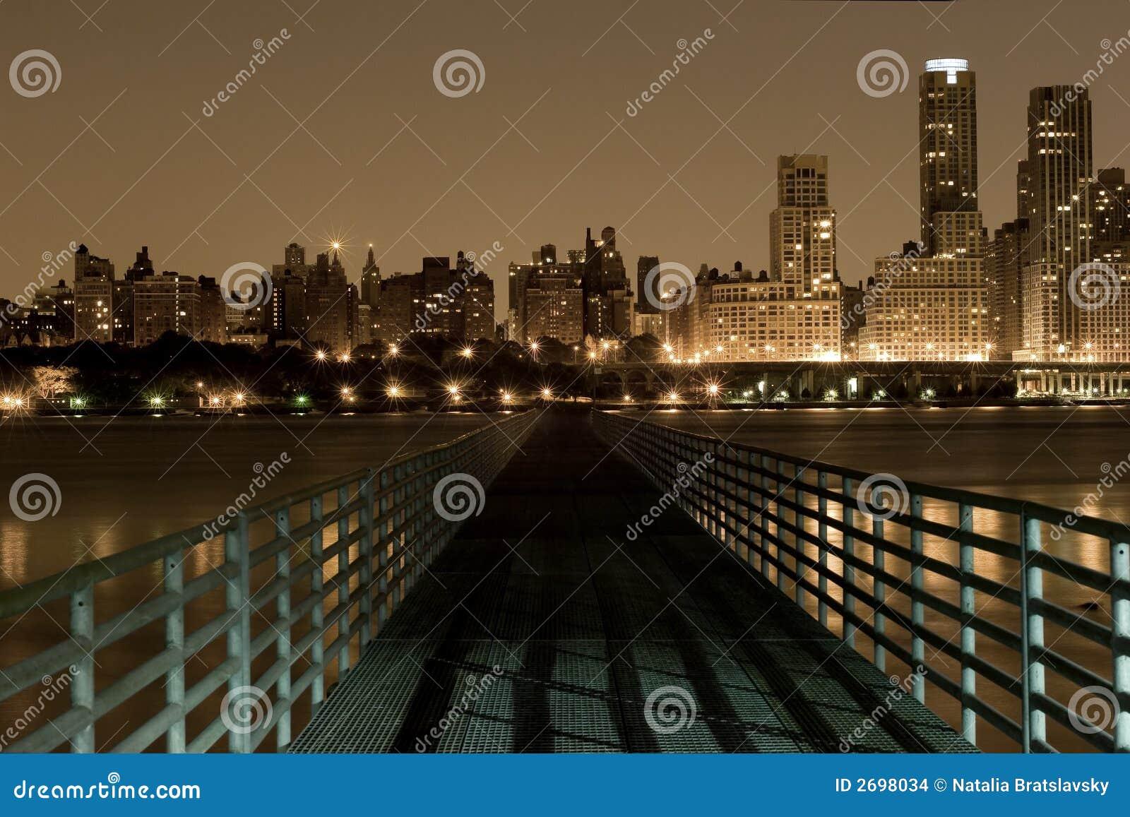 мост manhattan к