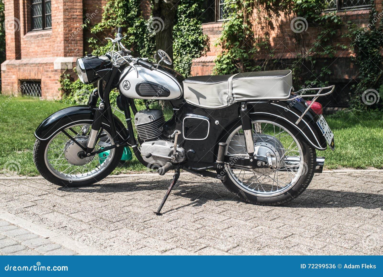 Download Мотоцикл SHL классики польский Редакционное Фото - изображение насчитывающей дело, черный: 72299536