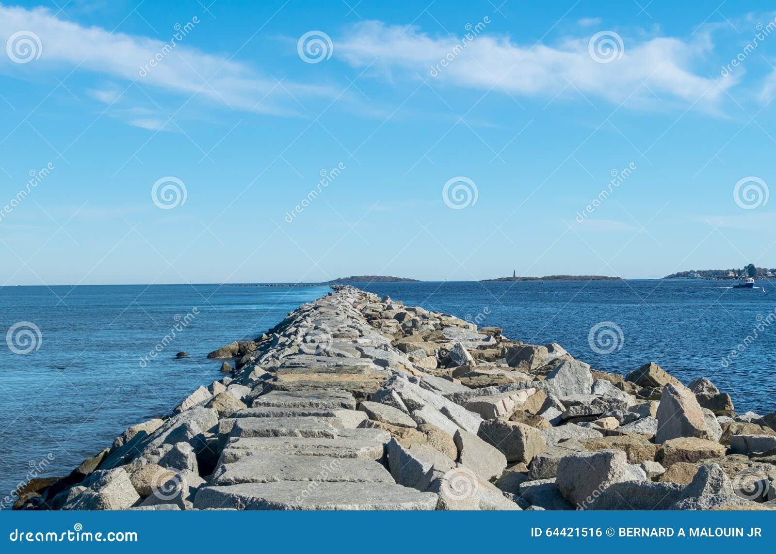 Мола океана
