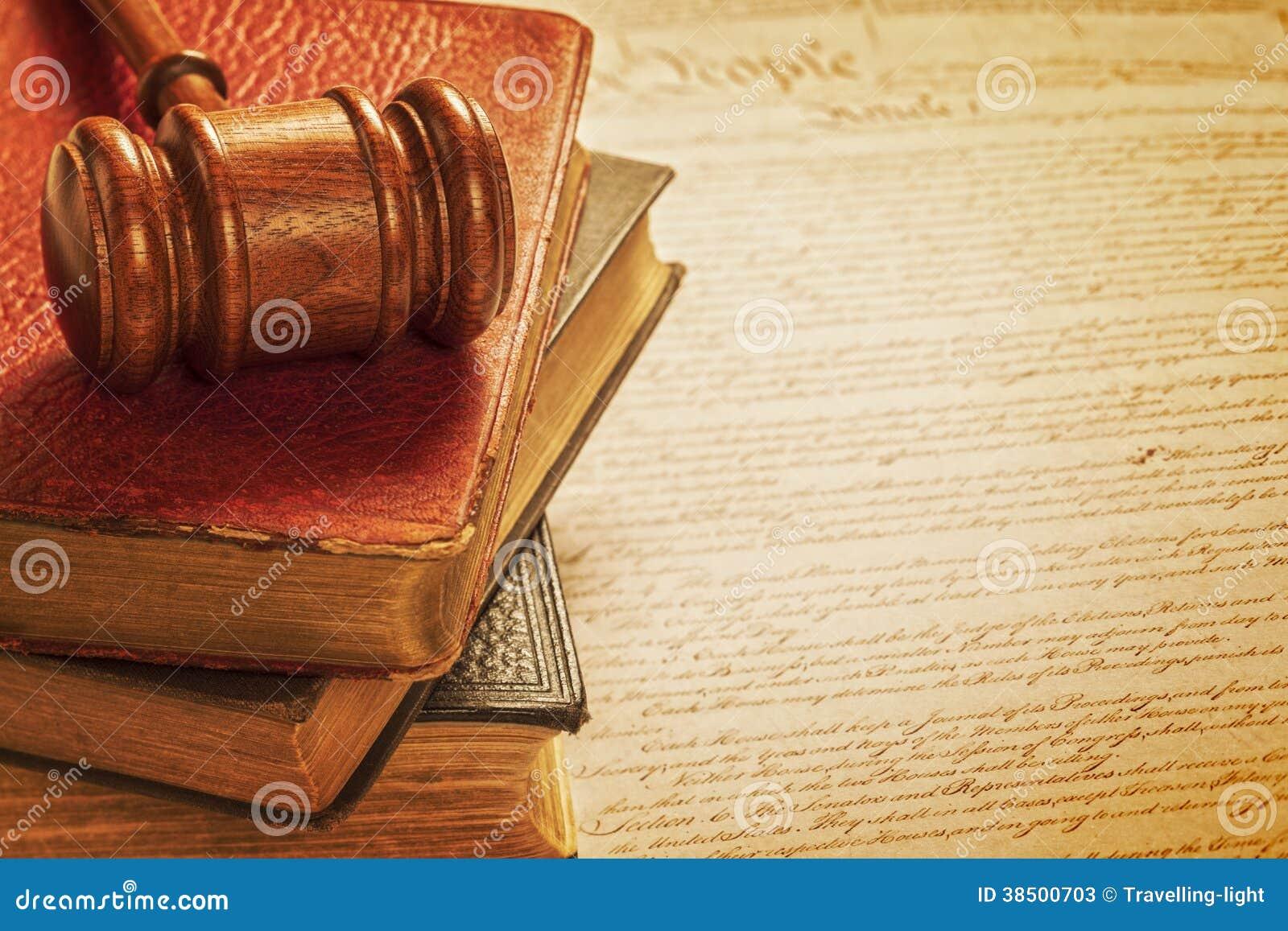 Молоток и концепция правосудия конституции американская