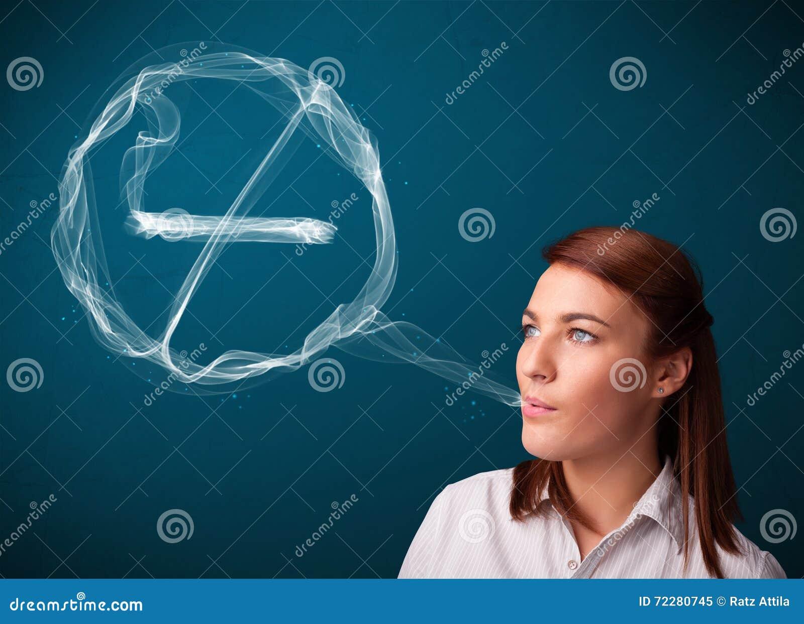 Download Молодая дама куря нездоровую сигарету с для некурящих знаком Стоковое Изображение - изображение насчитывающей запрещено, здоровье: 72280745