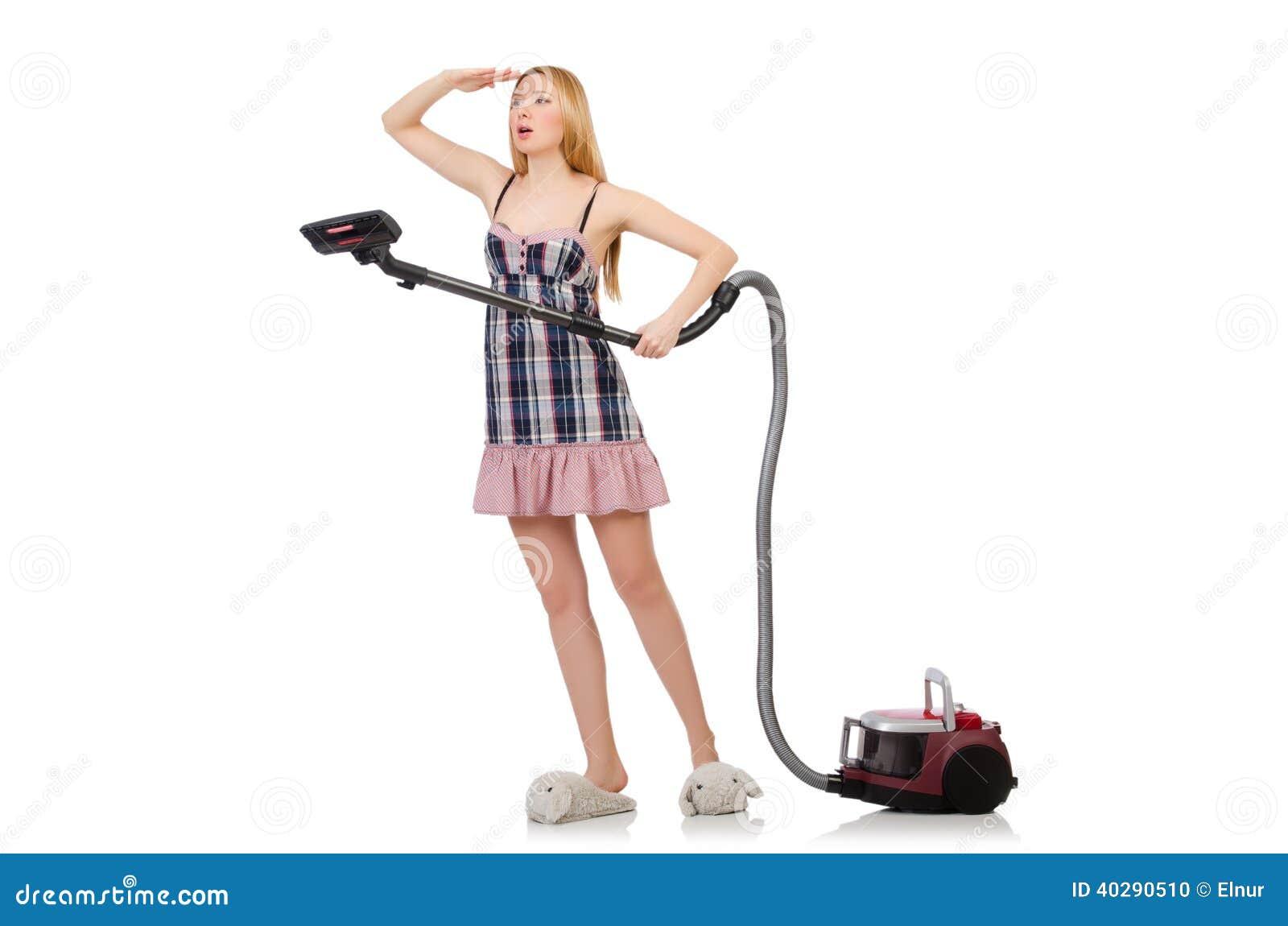 Молодая женщина с пылесосом