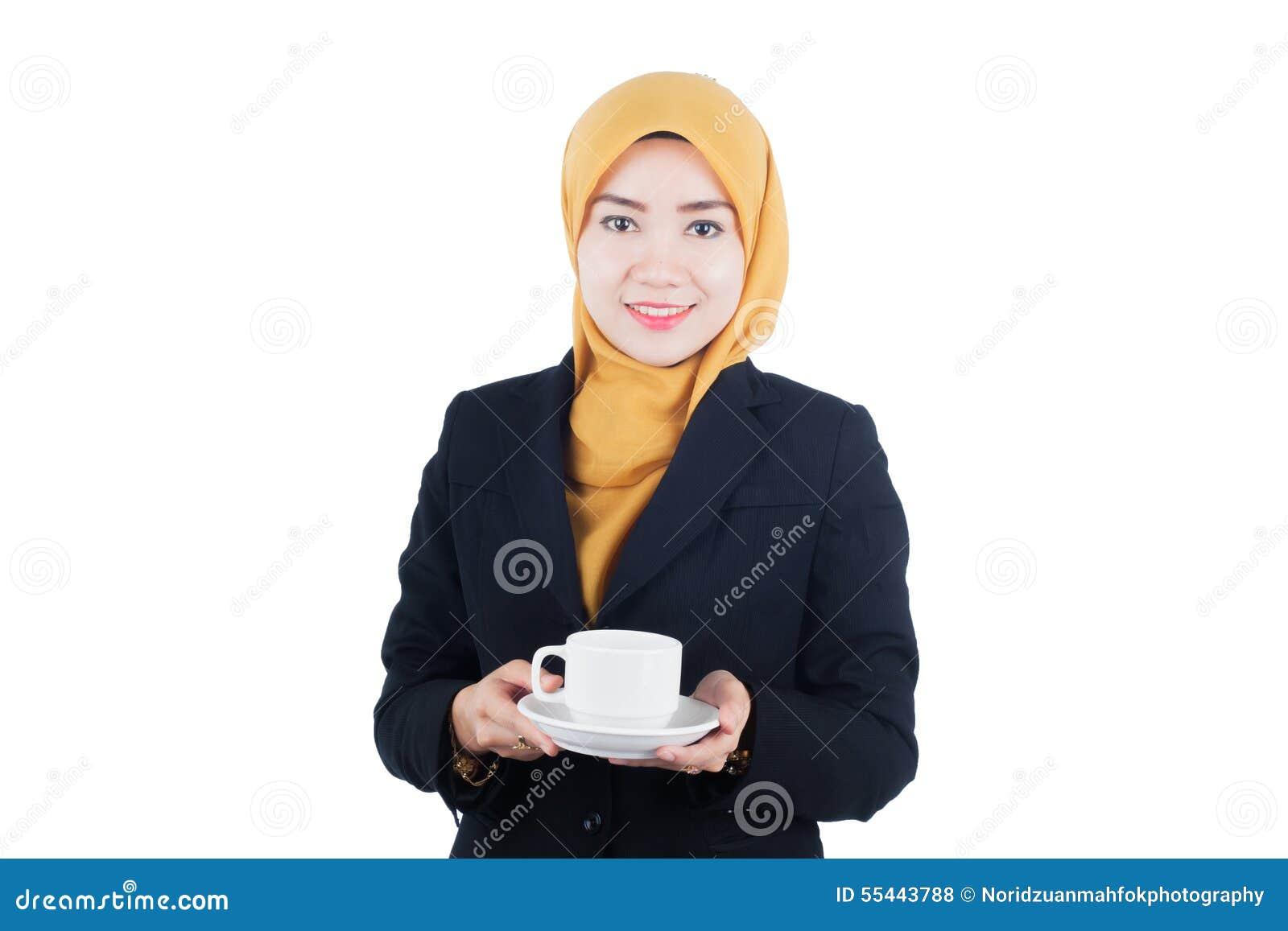 Молодая и красивая бизнес-леди Muslimah