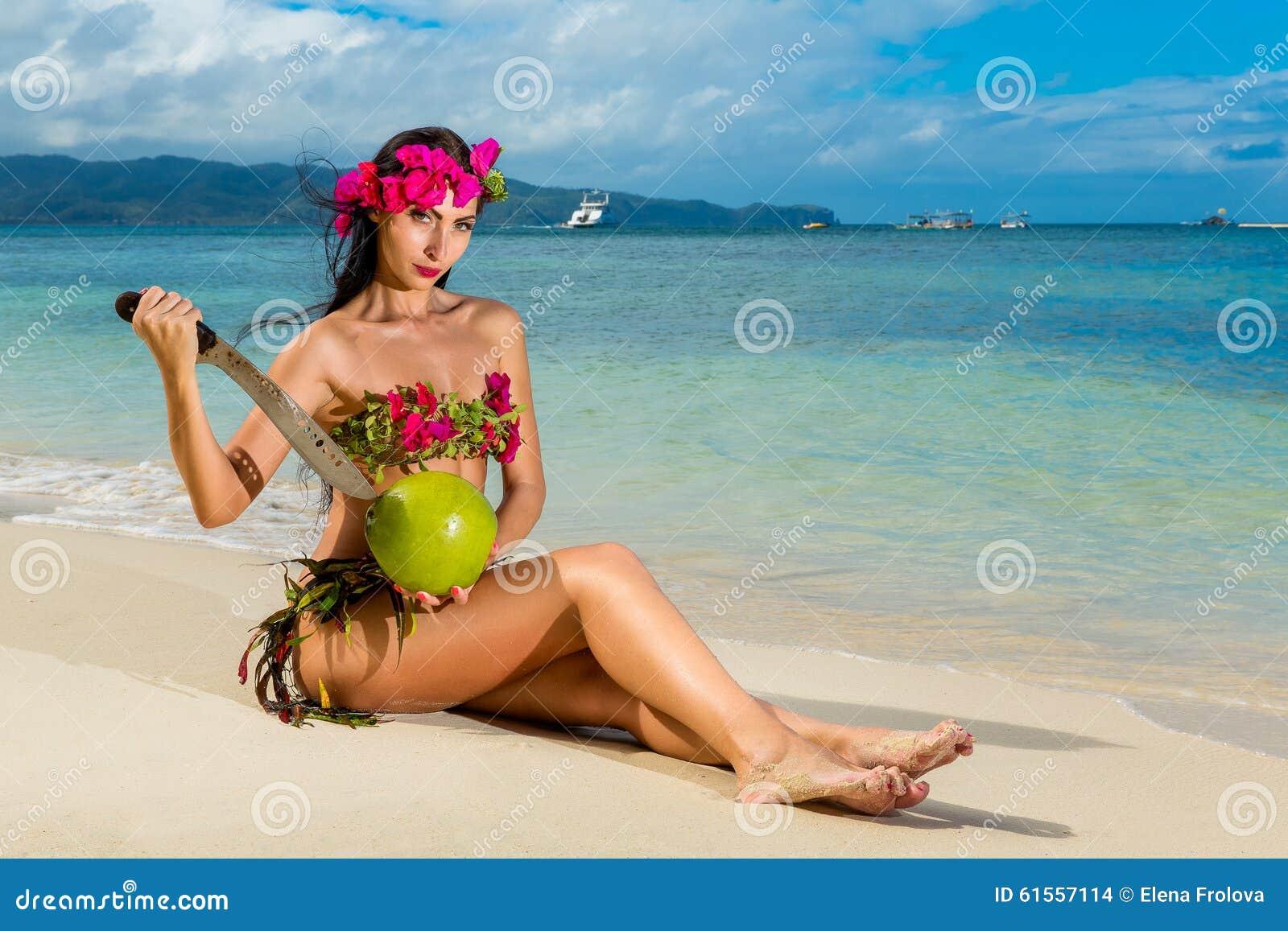 Красивые девушки в бикини фото бесплатно