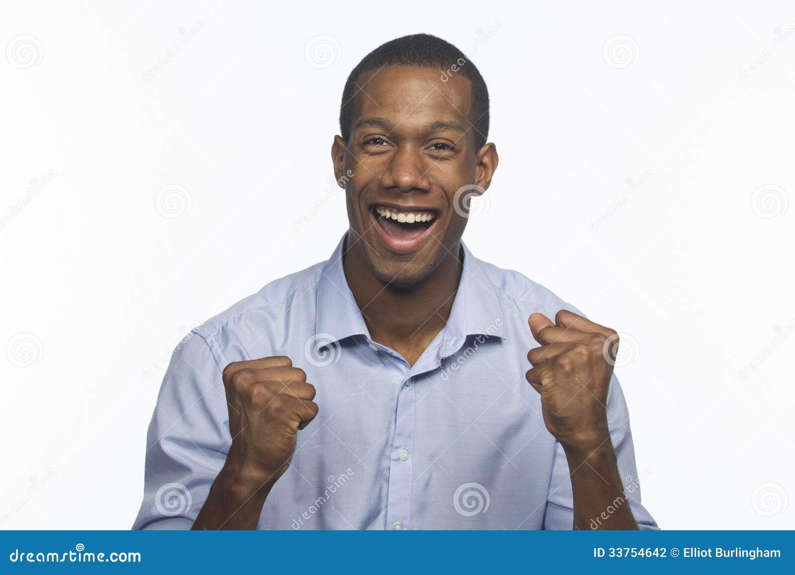 Молодой Афро-американский возбужденный человек и веселить, горизонтальный