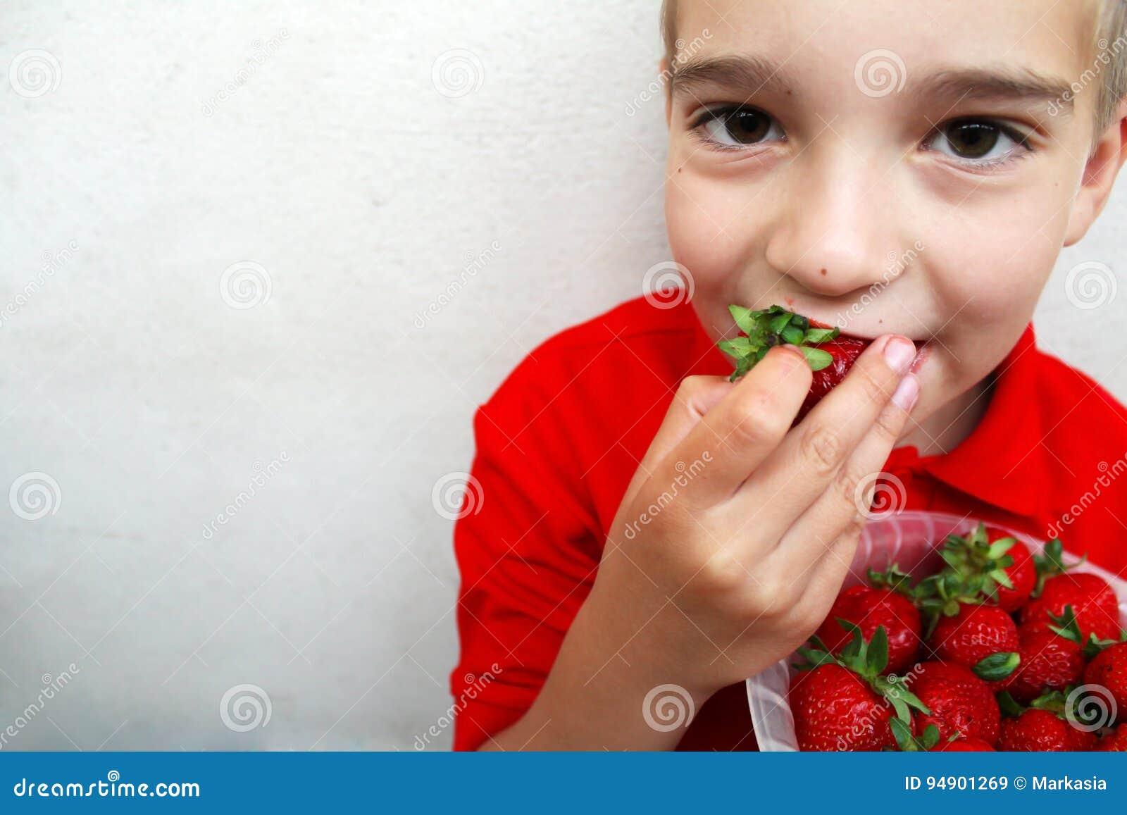 Фото зрелая и молодой мальчик фото 297-839
