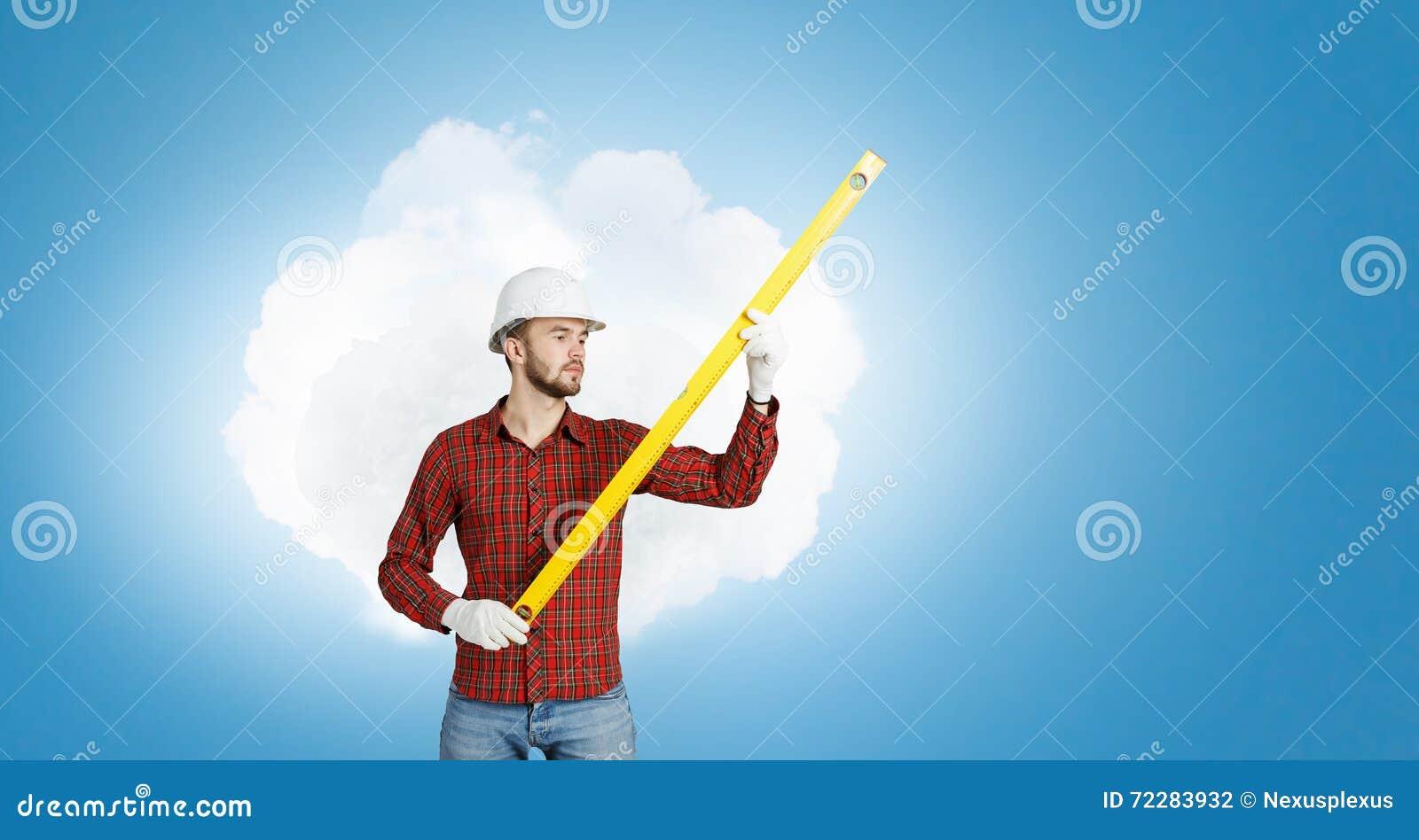 Download Молодой человек инженера стоковое фото. изображение насчитывающей ванта - 72283932