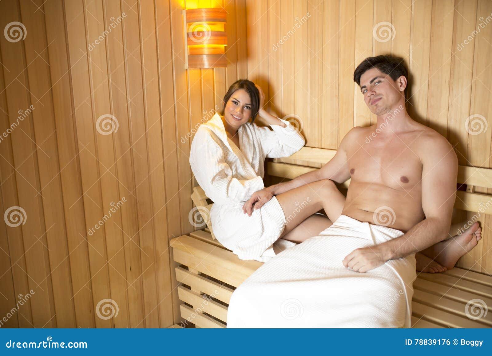Русские студенты ебутся в бане, Студенты в сауне -видео. Смотреть Студенты 39 фотография