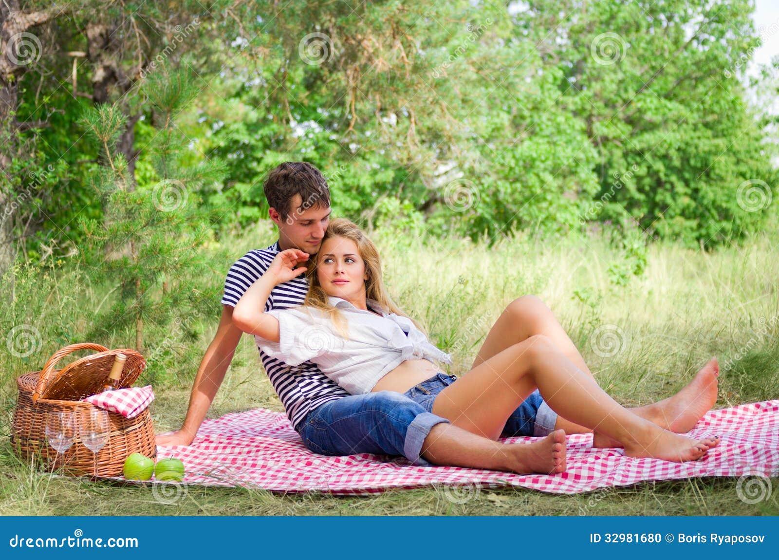 девушку бангкоке красивый секс молодой пары на даче стесняйтесь высказать