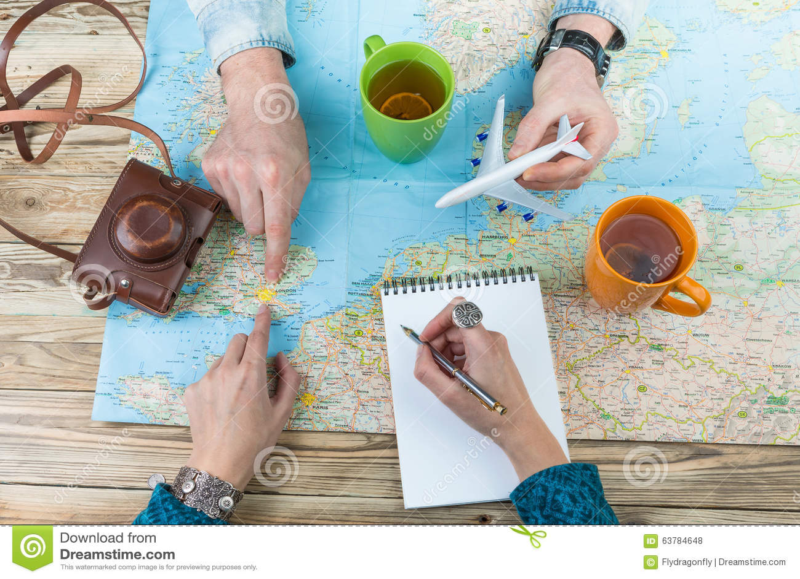 Молодые пары планируя семью задействуют к Лондону